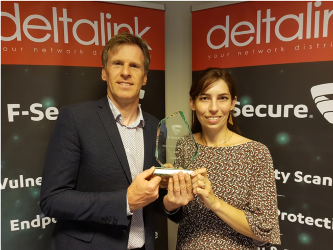 deltalink wins BEST DISTRIBUTOR AWARD